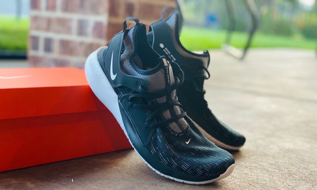 mens nike shoes on box oustide