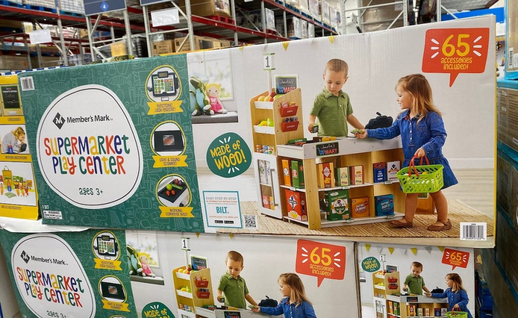 supermarket play center in box at store