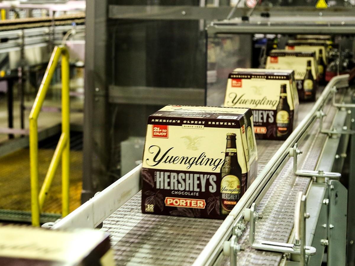 6-packs of beer on brewery line