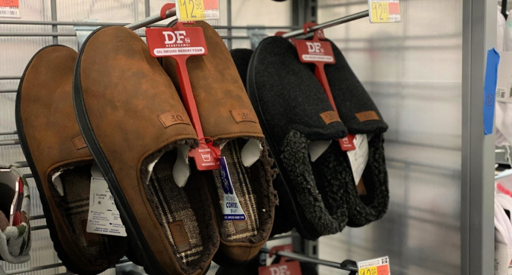 DF by Dearfoams Men's Slippers at Walmart