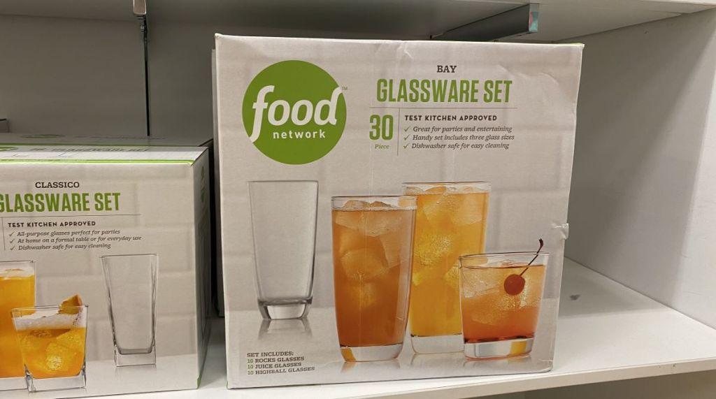 Food Network Bay Glassware diletakkan di rak di Kohl's