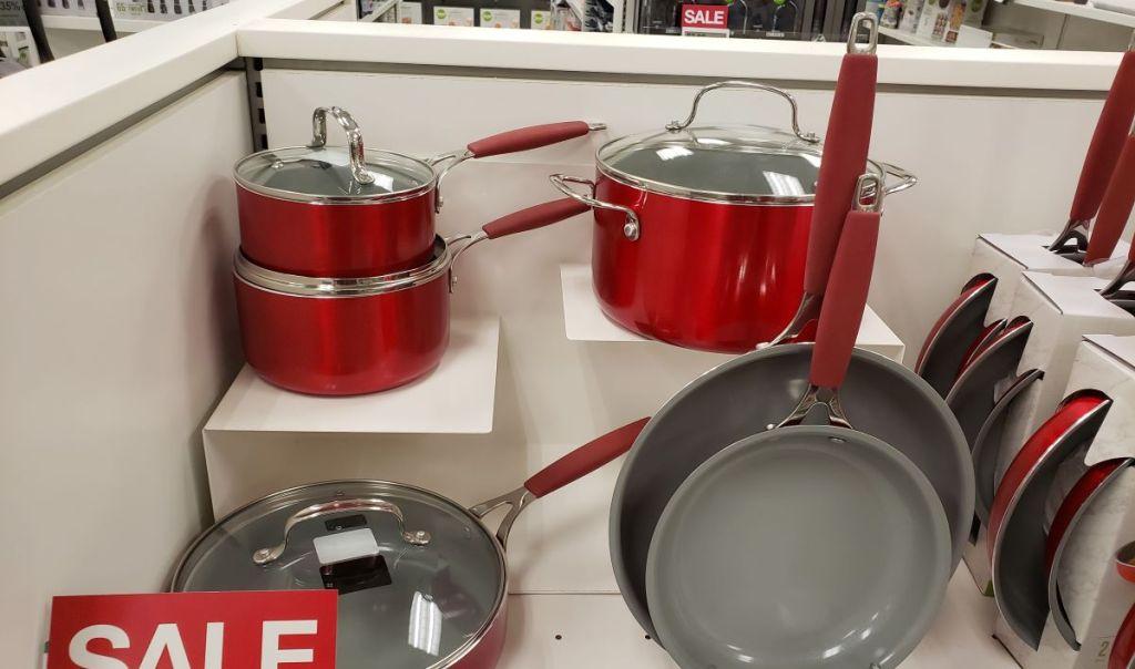 Peralatan Masak Keramik Food Network yang dipajang di Kohl's