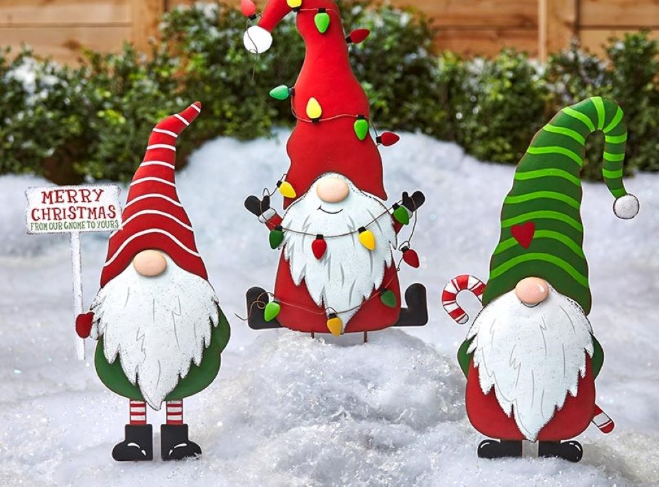 holiday gnome signs in snow