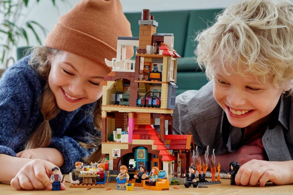 kids playing with LEGO harry potter weasley burrow