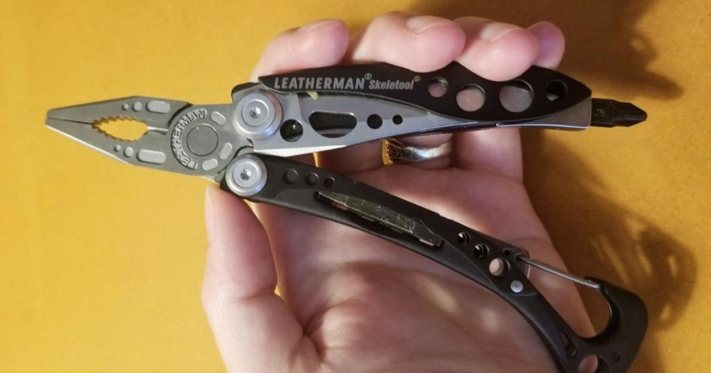 Person holding a Leatherman Skeletool