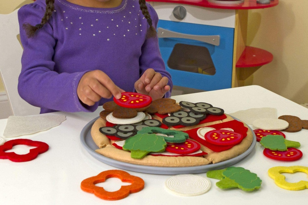 melissa and doug felt pizza set