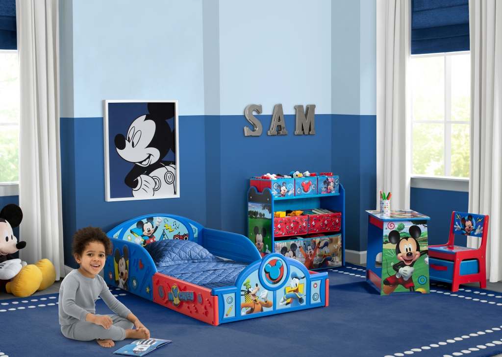 Mickey Mouse Bedroom Set from delta