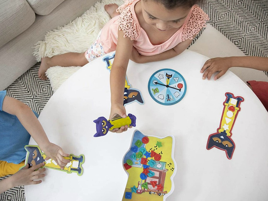 kids playing a pete the cat game