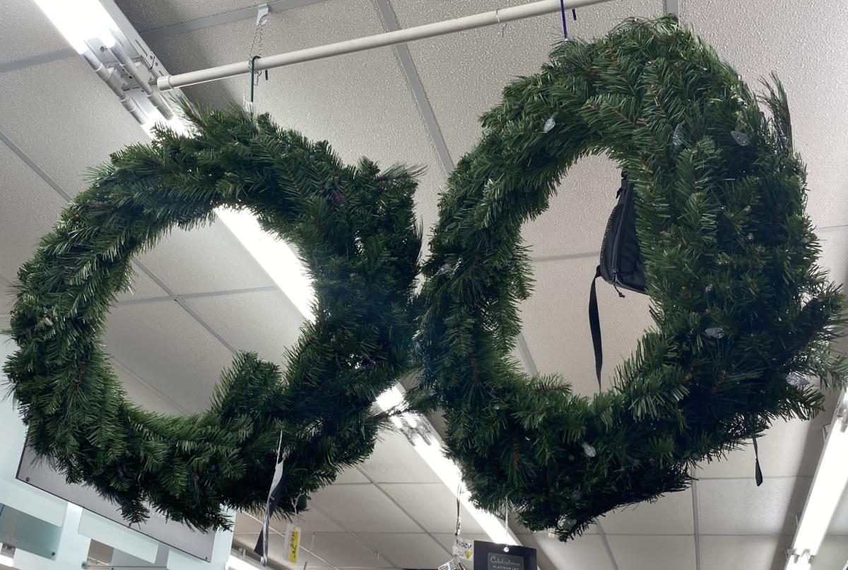 Pre Lit Northern Pine Wreath