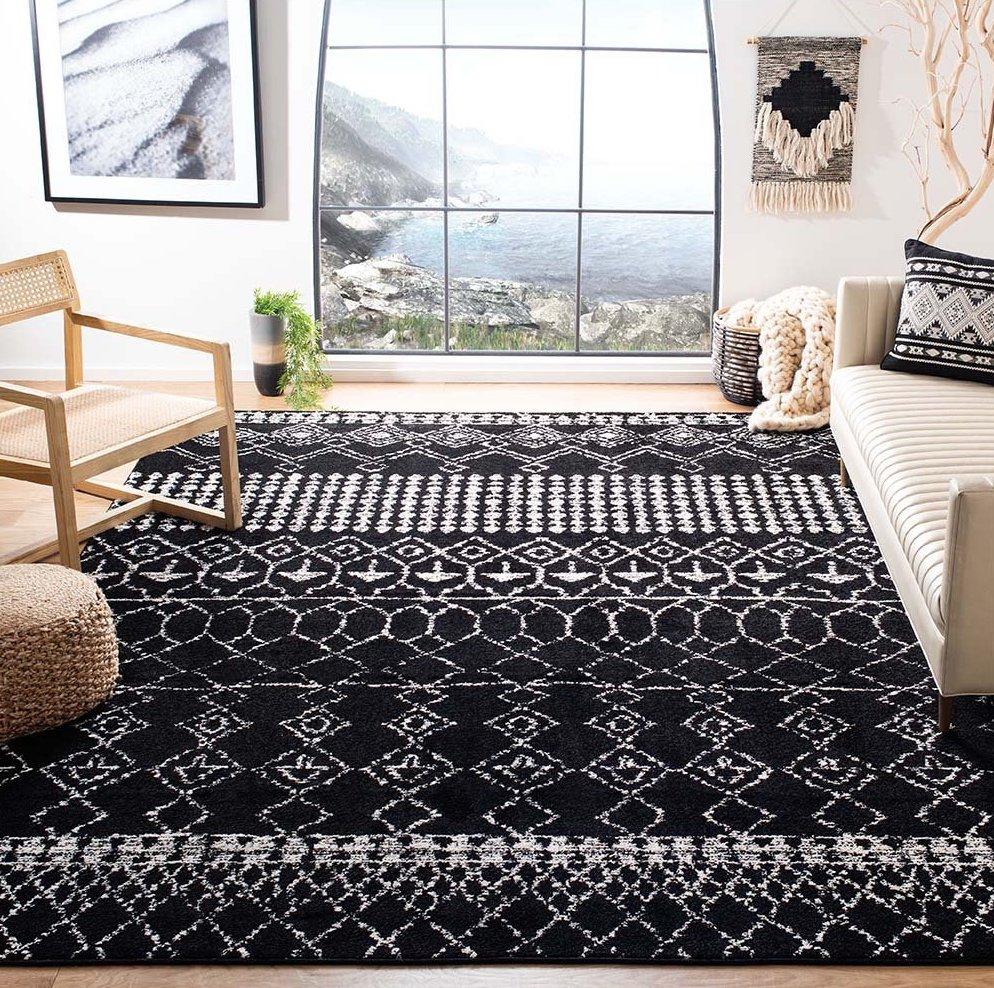 Safavieh Black Geometric Area Rug