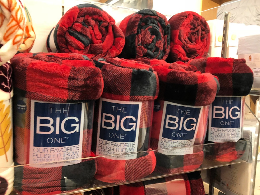 The Big One Oversized Supersoft Plush Throws
