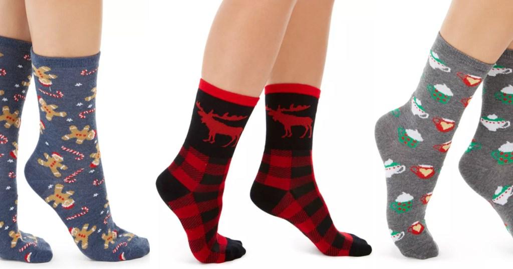 3 women holiday christmas socks