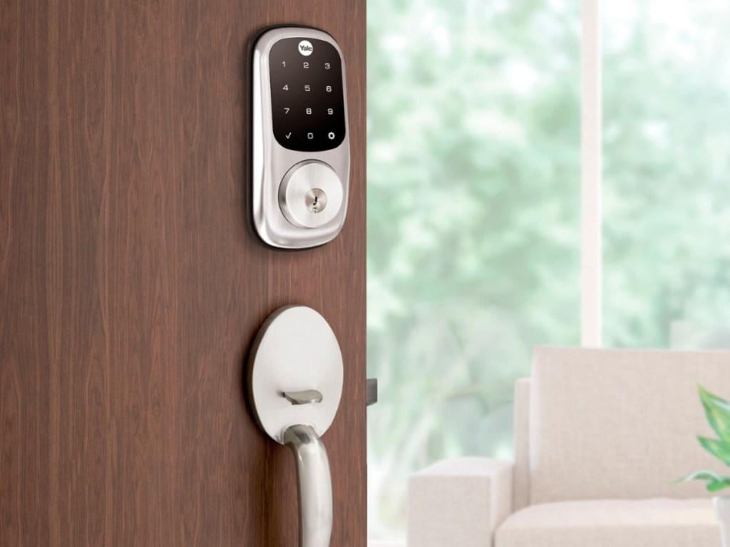 Yale Assure Lock Touchscreen Keypad Deadbolt in Satin Nickel
