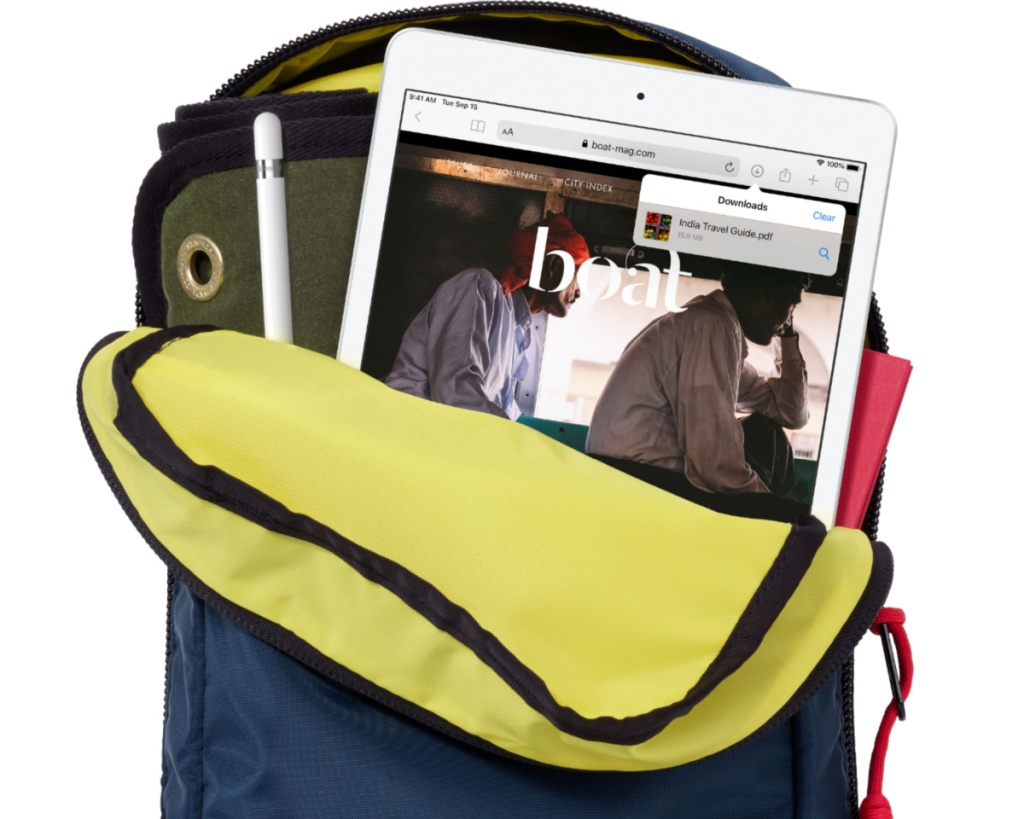 apple ipad in backpack