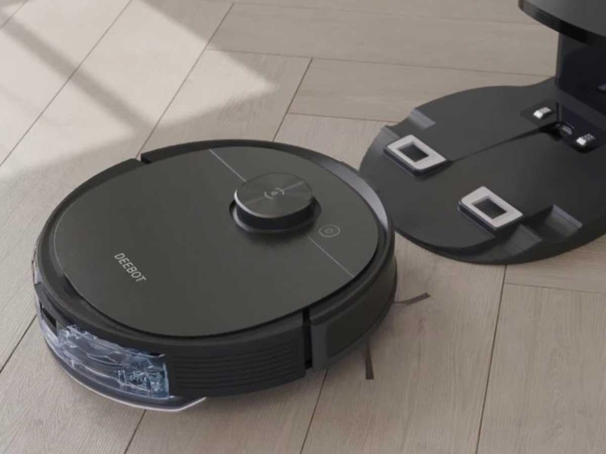 robotic vacuum and mop and auto empty station
