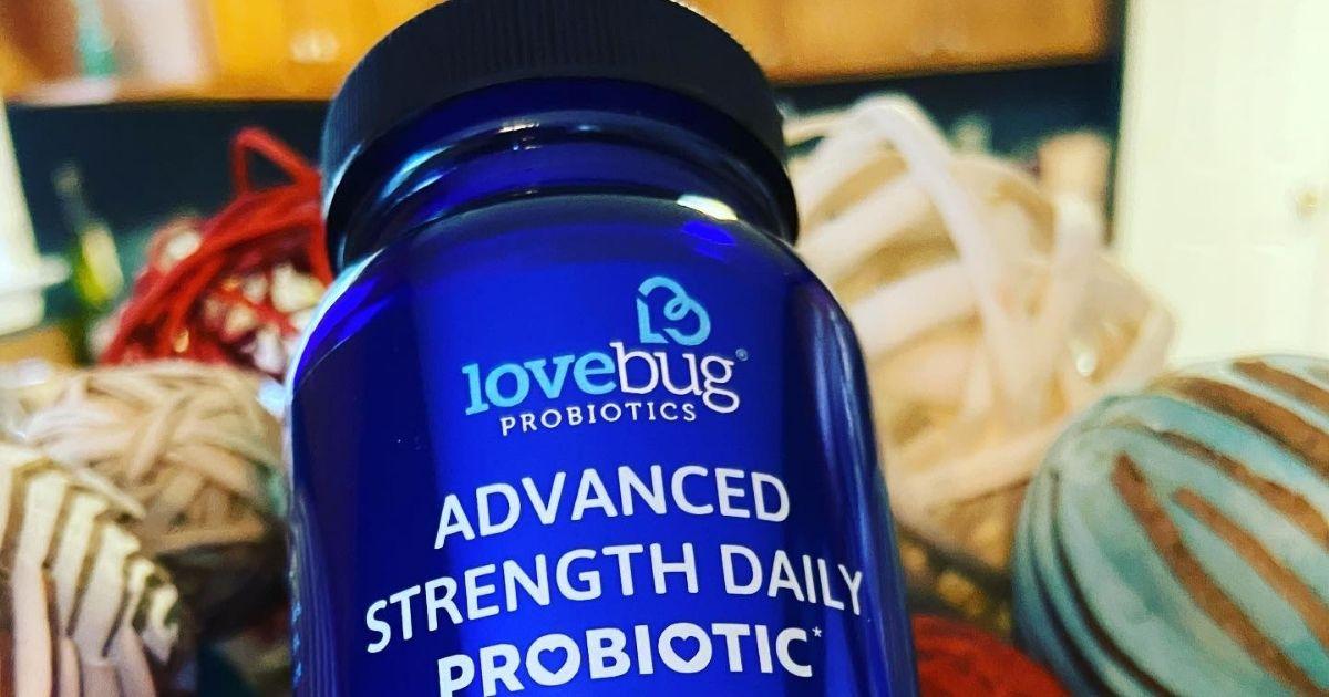 Lovebug meningkatkan kekuatan botol probiotik harian