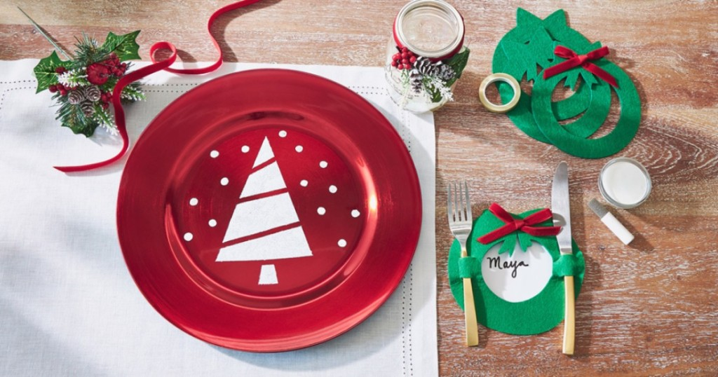 DIY Christmas chargher plate craft