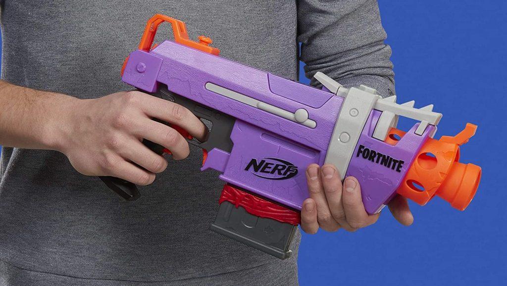 nerf fortnite smg-e blaster in hands