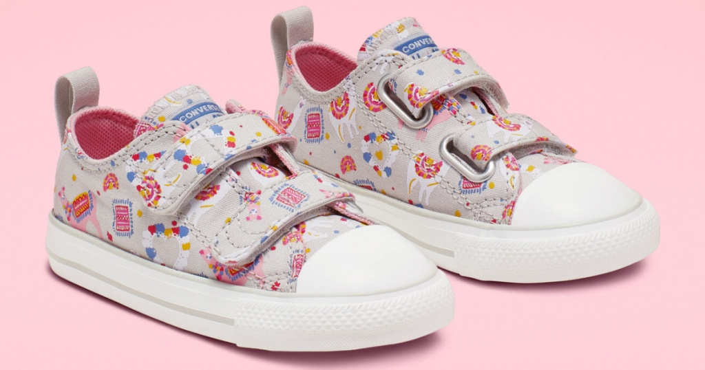 onverse Toddler Llama Party Hook and Loop Chuck Taylor All Star Sneakers