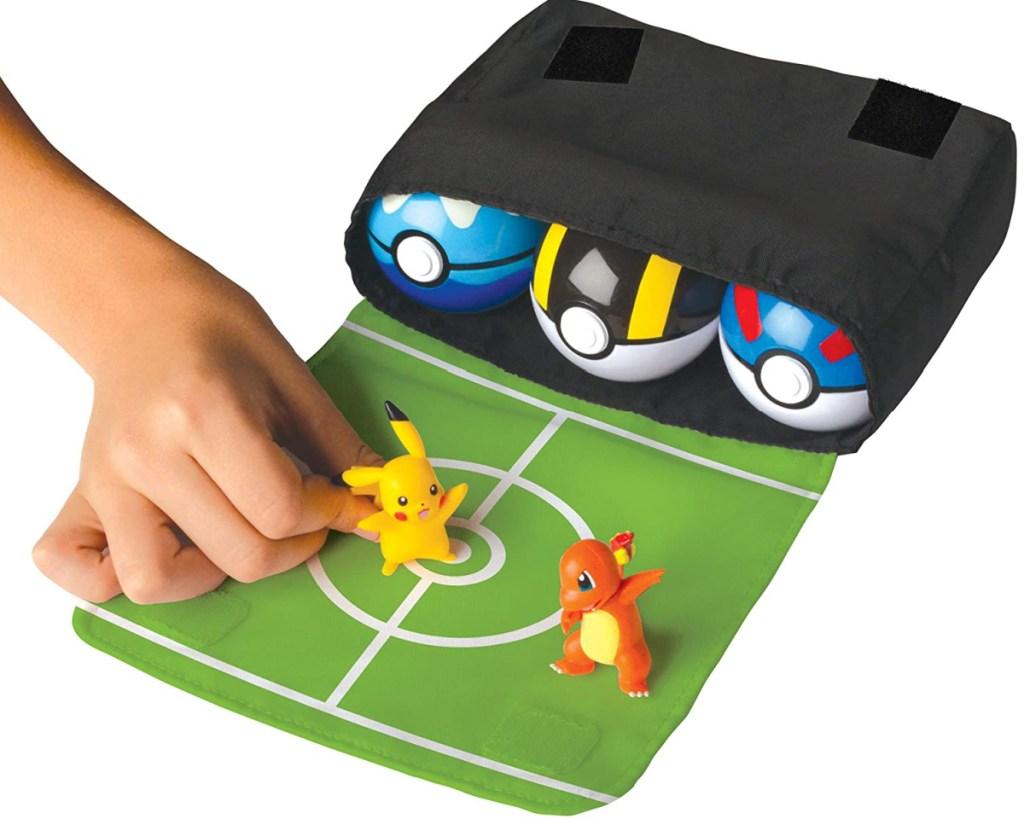 hand grabbing pokemon pokebelt