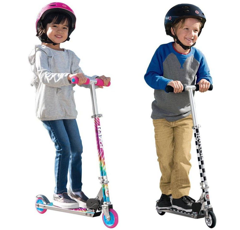 two kids on razos graphics scooters