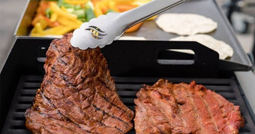 "Blackstone 17"" Duo Griddle Grill Closeup"