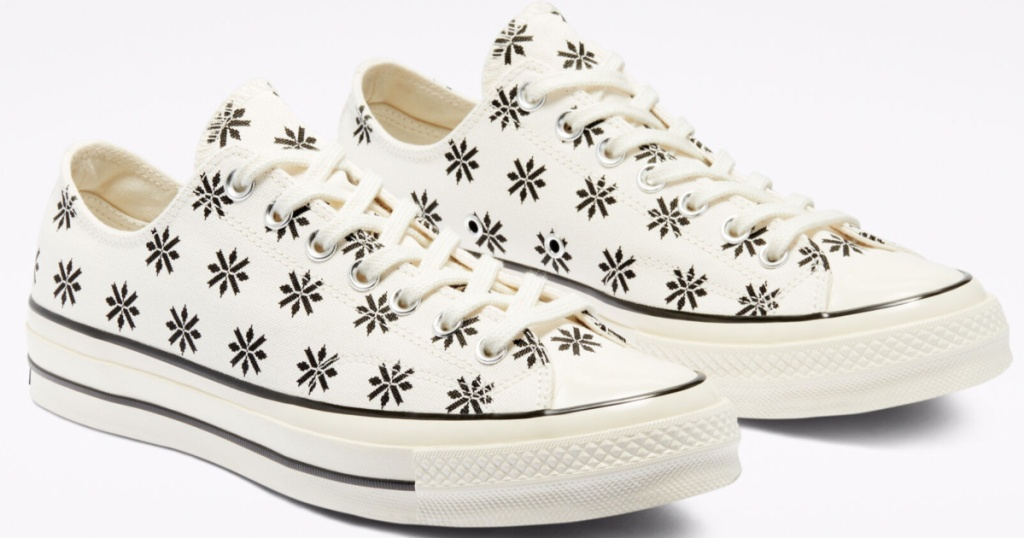 converse holiday sweater chuck taylor shoes