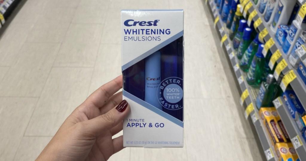 hand holding whitening pen