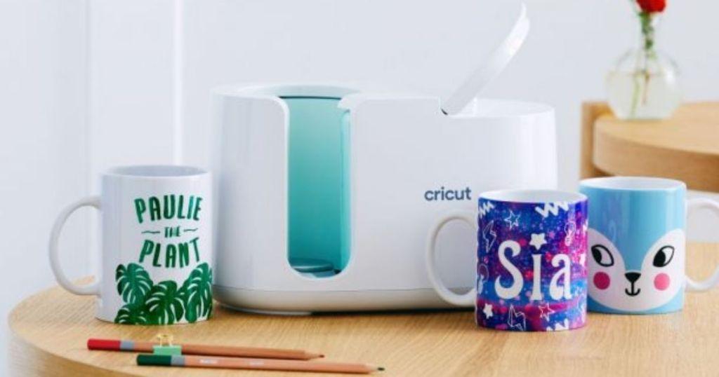 Cricut Mug Press with 3 mugs