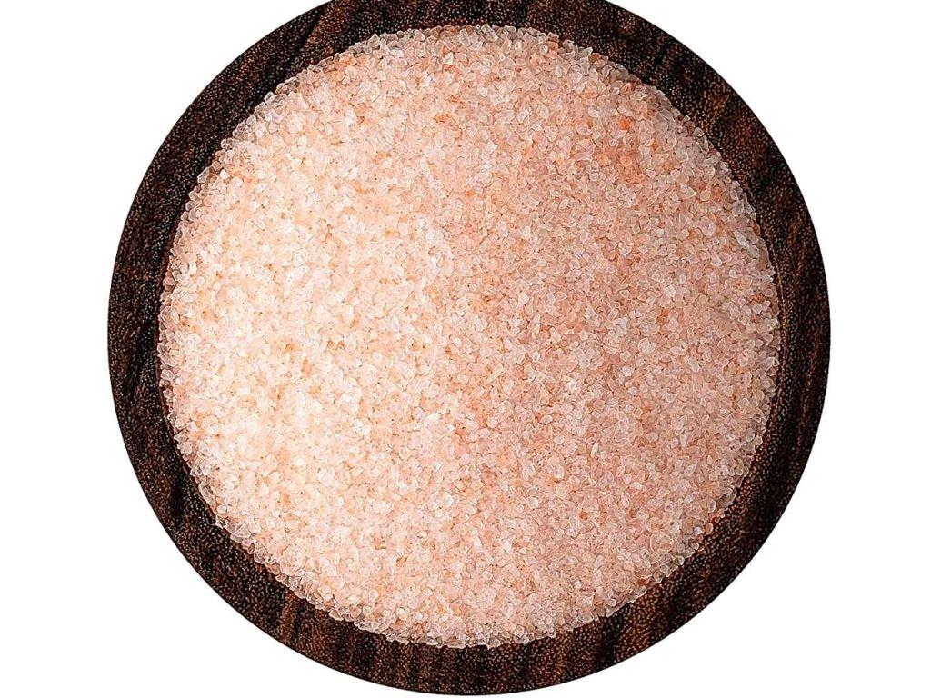 bowl of pink Himalayan salt