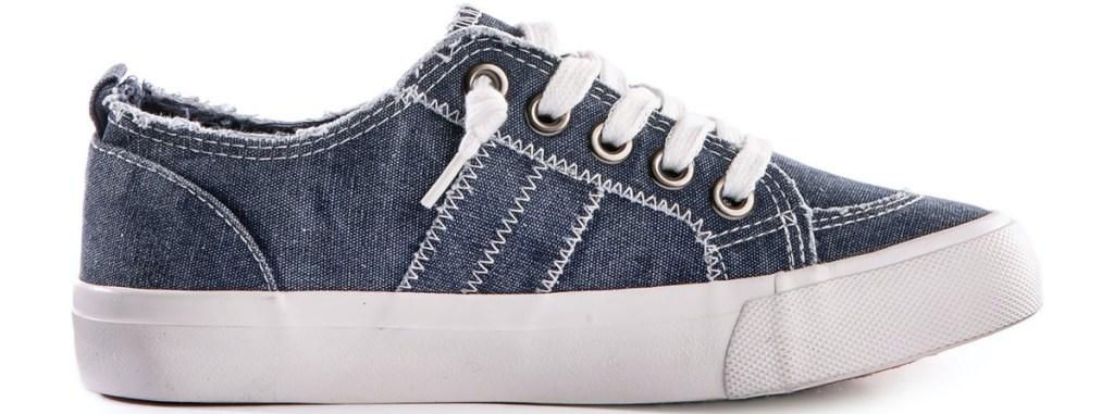 women's navy sneaker