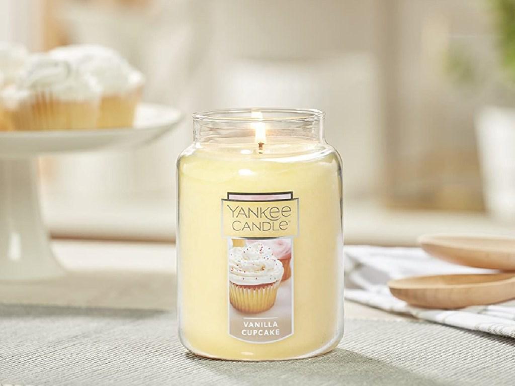 vanilla cupcake large yankee candle