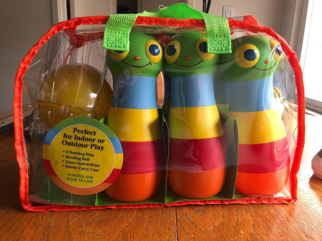 Melissa & Doug Giddy Bowling Set in a bag