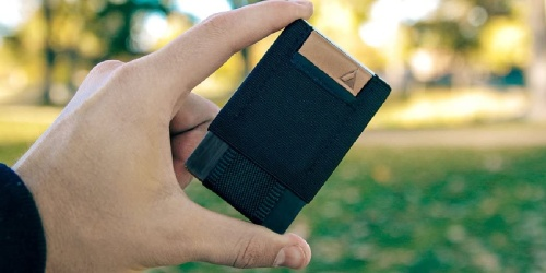 Slim Wallet Just $8.99 on BestBuy.com (Regularly $20) | Holds up to 14 Cards & Has Awesome Reviews