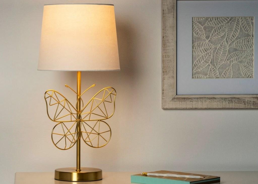 Lampu Meja Pillowfort Butterfly Wire Gold