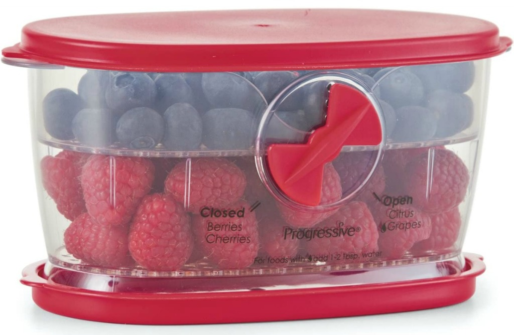 Berry container with lid in red