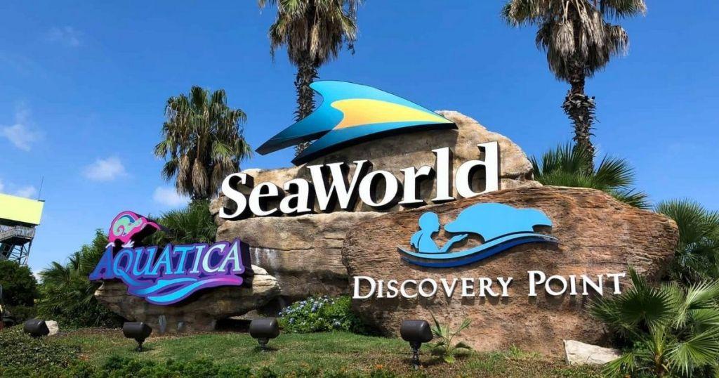 SeaWorld San Antonio sign entrance