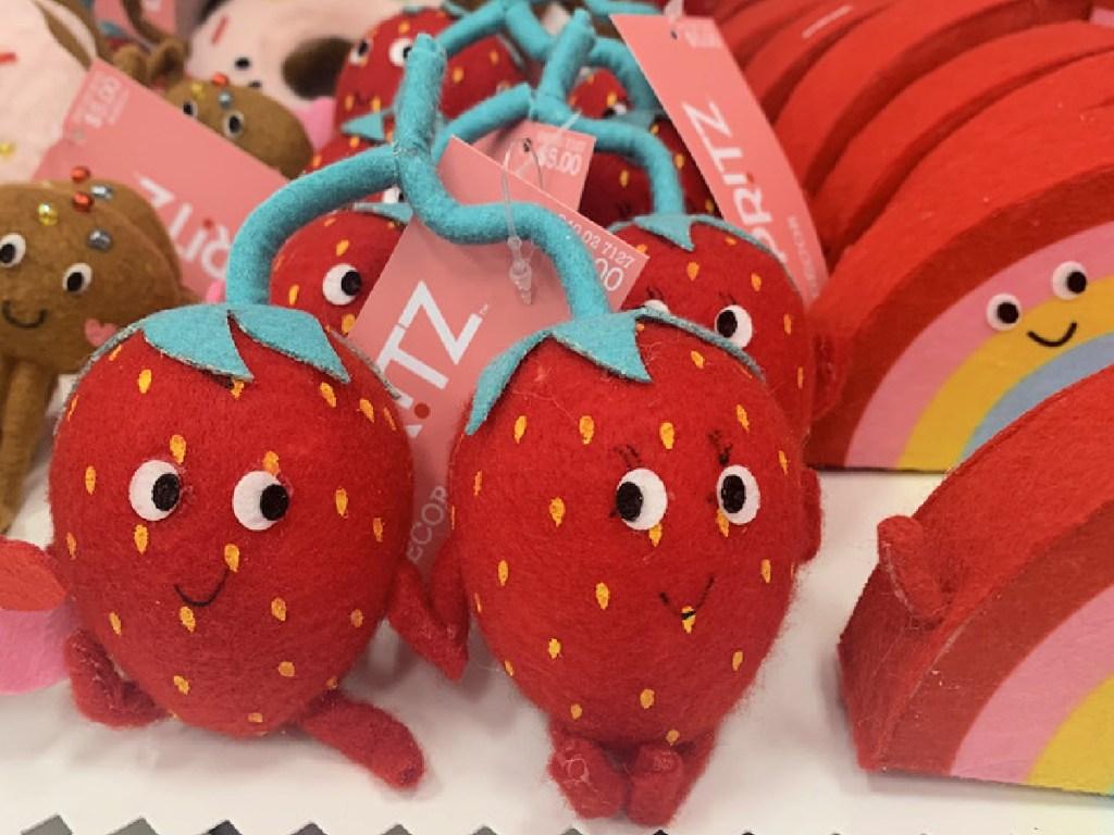 Spritz Strawberry Felt Figurals