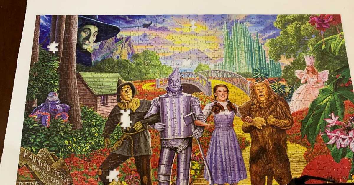 The Wizard of Oz 100-Piece Glitter Puzzle Masterpieces