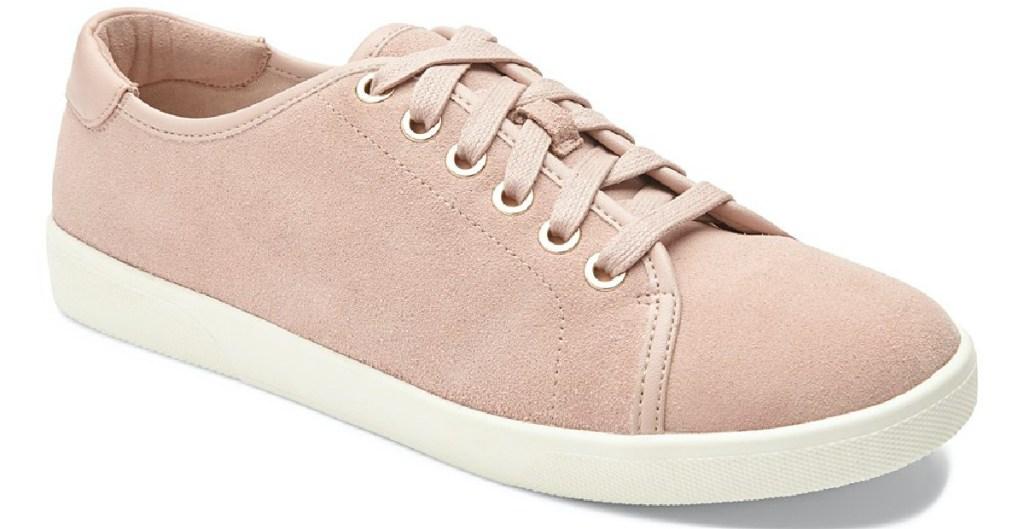 sepatu merah muda wanita