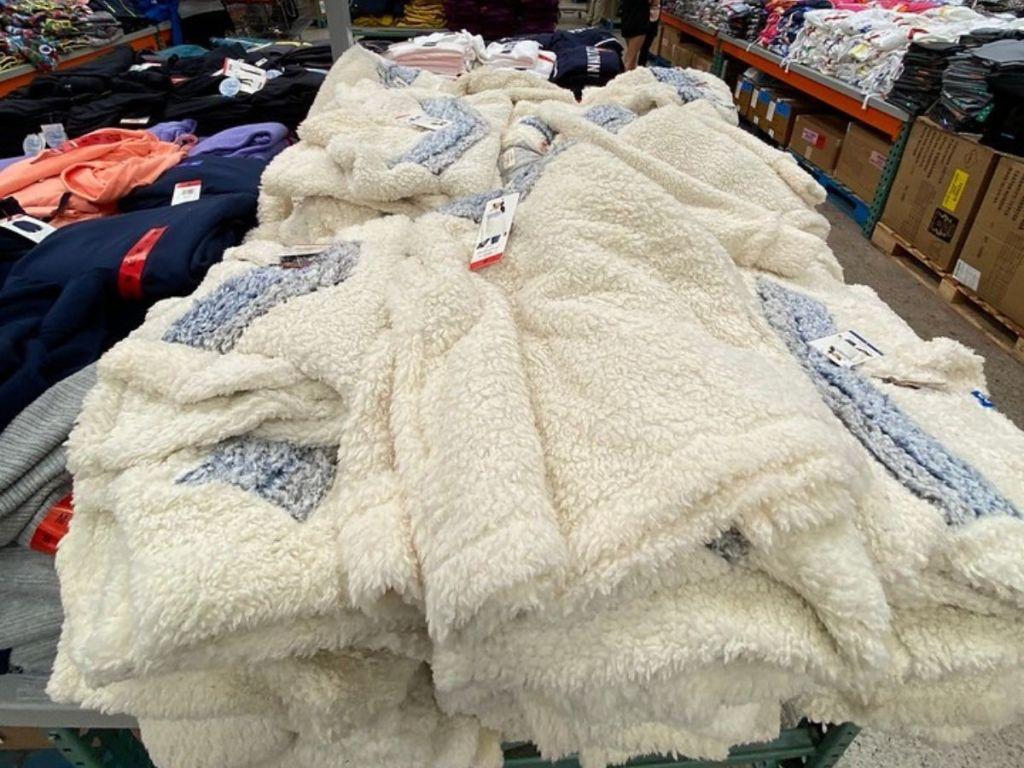 women's sherpa fleece pullovers