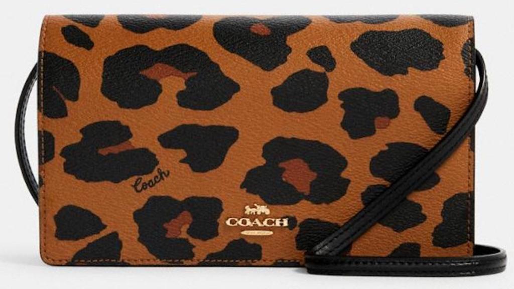 coach Anna Foldover Crossbody Clutch With Leopard Print tampak depan