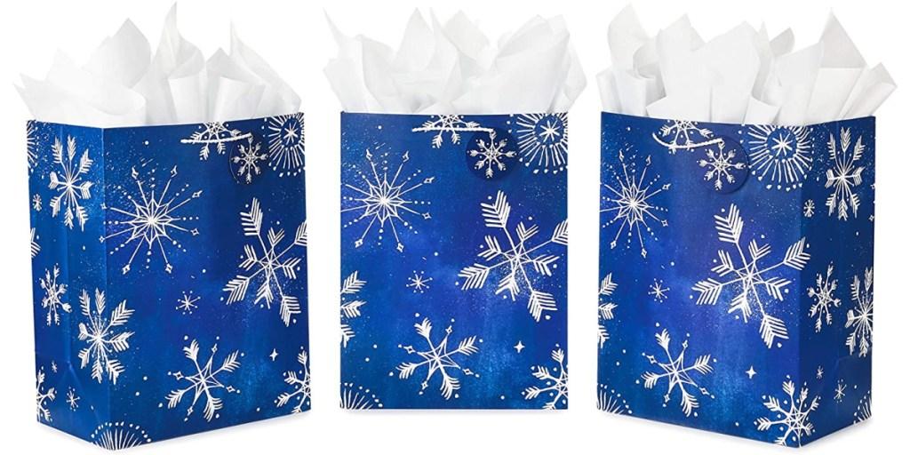 tas hadiah kepingan salju ciri khas