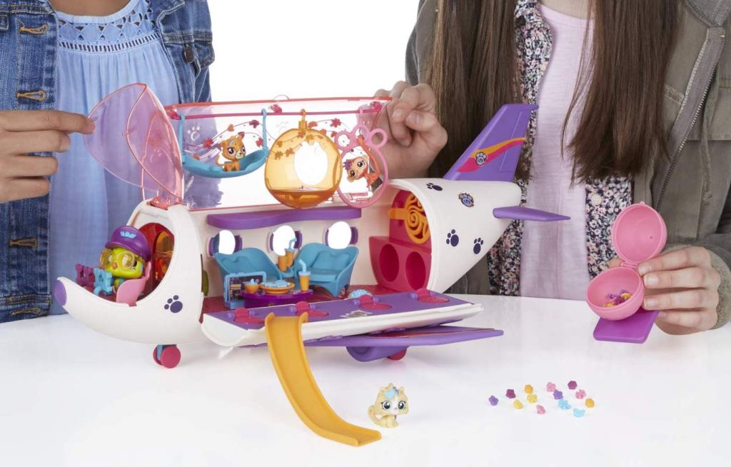littlest pet shop jet with tons of accessories