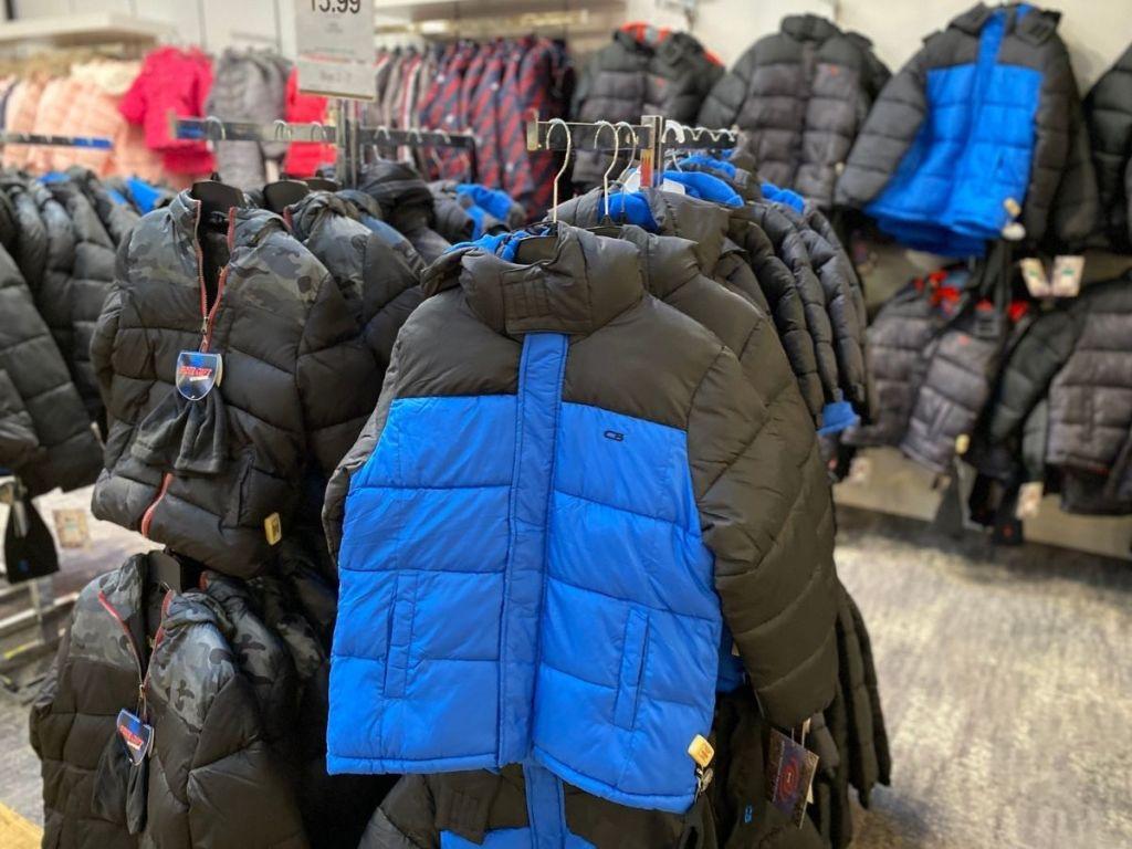 mantel puffer CB biru dan hitam di toko
