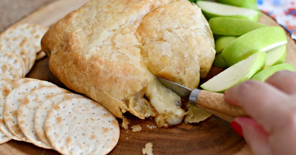 melted baked brie cheese wrapped in puff pastry