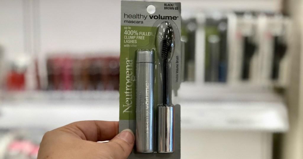 hand holding neutrogena healthy volume mascara