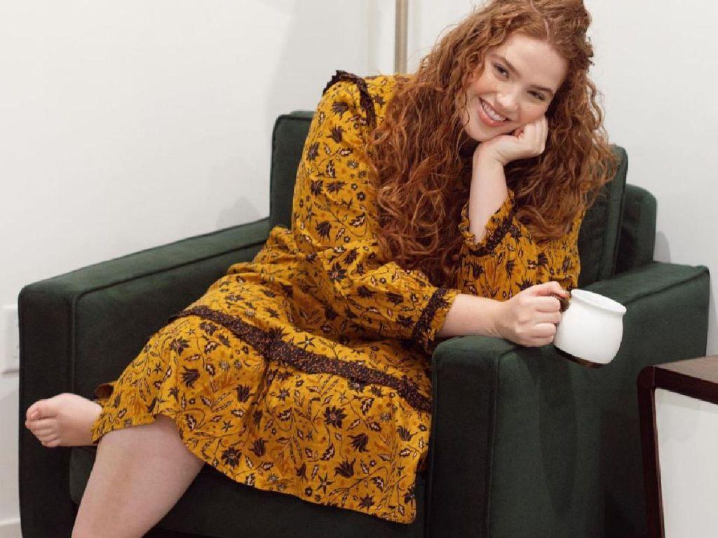woman wearing prairie dress