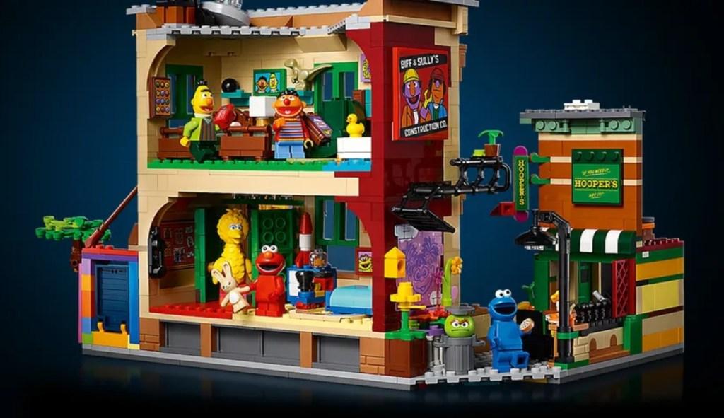 back of Sesame Street Lego set