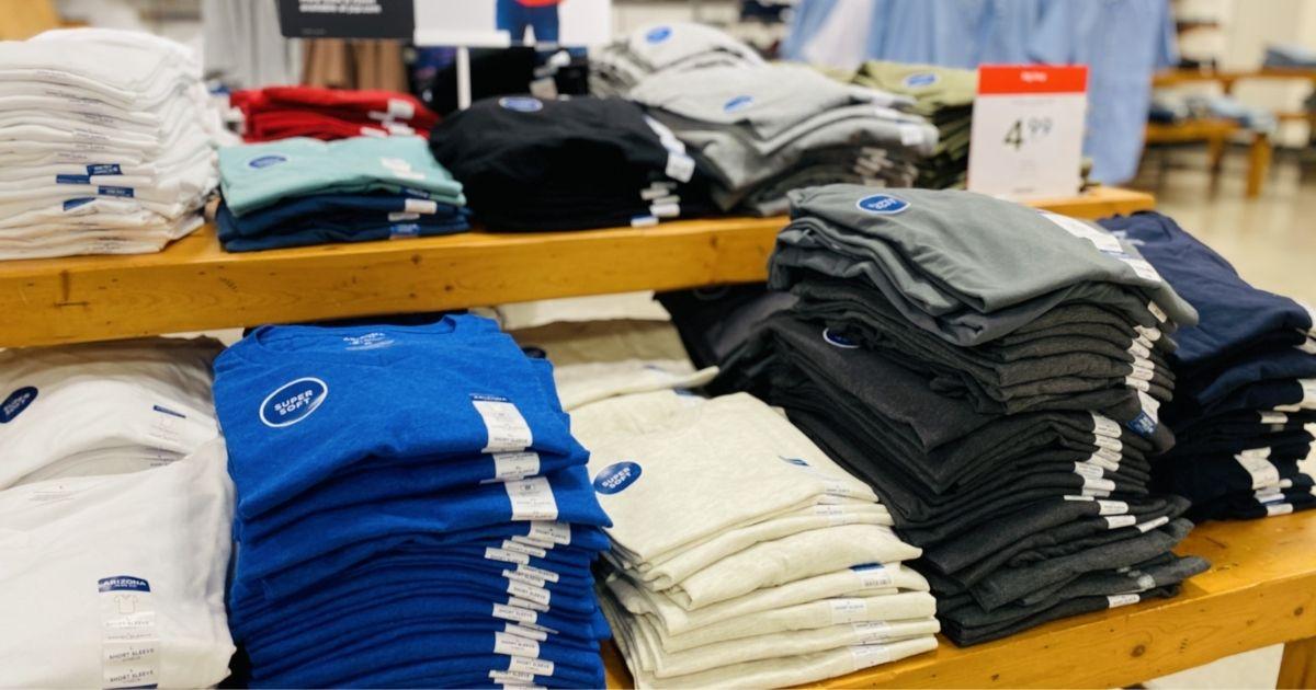 folded on Arizona Men's V-neck T-shirts in-store display